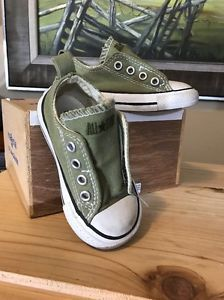"Converse All Star Velcro on side, ""No Time TO LACE"", Olive Green Size 5 Toddler  