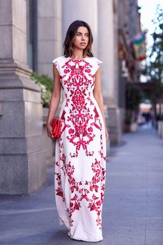 This dress is absolutely gorgeous, I always love a dramatic print!