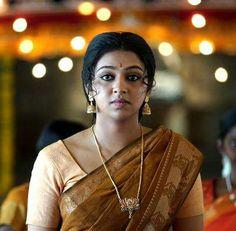 Actress Lakshmi Menon 2017 New Look Pictures - Gethu Cinema All Indian Actress, Indian Actress Gallery, Indian Actresses, Lakshmi Menon, Saree Hairstyles, Indian Skirt, Tamil Girls, Hindi Actress, Beautiful Girl Image