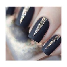 17 Diseños que sólo podrás lograr con esmalte color negro mate ❤ liked on Polyvore featuring beauty products, nail care and nails