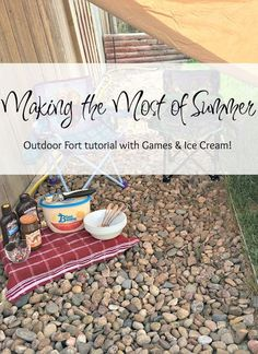 #TopYourSummer, #SoHoppinGood, #Ad, Making the Most of Summer, How to build and outdoor fort, Easy outdoor fort, little kid outdoor activities, outdoor ice cream bar,
