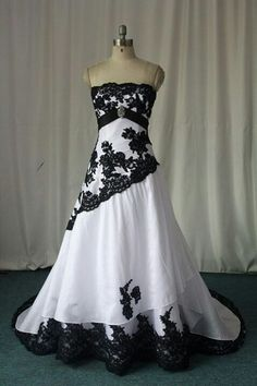 Black and White Gothic Wedding Dresses 2015 Custom Made Plus Size Bridal Gowns