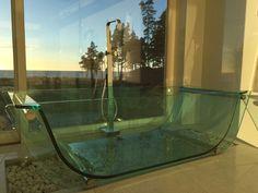 Tulip Glass tub by Prizmastudio