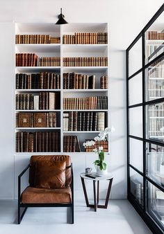 Modern home décor from the USA and modern lighting ideas from the middle of the century .- Modernes Wohndekor aus USA und moderne Lichtideen aus der Mitte des Jahrhunderts… Modern home décor from the USA and modern lighting ideas from … - Contemporary Interior Design, Luxury Interior Design, Modern Design, Interior Design Offices, Modern Home Interior, Contemporary Bookcase, Asian Interior, Contemporary Houses, Modern Lighting Design