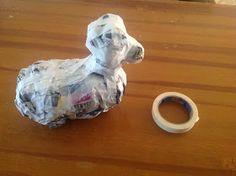 Kreakipje: Papier Maché hond Crafts For Kids, Lion Sculpture, Dogs, School, Writing Activities, Sculpture, Paper Mache, Crafts For Children, Kids Arts And Crafts