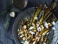 Limoncellomousse - Libelle Lekker Sprouts, Vegetables, Desserts, Food, Pistachio, Tailgate Desserts, Deserts, Essen, Vegetable Recipes