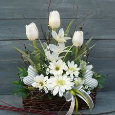 Christmas Floral Arrangements, Artificial Flower Arrangements, Table Arrangements, Artificial Flowers, Deco Floral, Flower Boxes, Diy Table, Ikebana, Holidays And Events