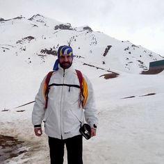 El auténtico y genuino...hombre de las nieves! Aunque calzado un 46 casi soy más Big Foot! Disfrutando de la family a tope  Y que no me quito al @clubcorredores de la cabeza eh?  #family #snow #sky #formigal #love #picoftheday #photooftheday #cool #live #fun #instalike #instalike #instagood #smile #happy #happiness #mountains #runner #motivacion #picsart #follow
