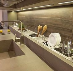 Irresistible Kitchen design layout sheet tricks,Small kitchen cabinets 2018 tricks and kitchen remodel before and after ideas. Home Decor Kitchen, Kitchen Furniture, New Kitchen, Home Kitchens, Kitchen Dining, Messy Kitchen, Cozy Kitchen, Kitchen Sink, Wooden Kitchen