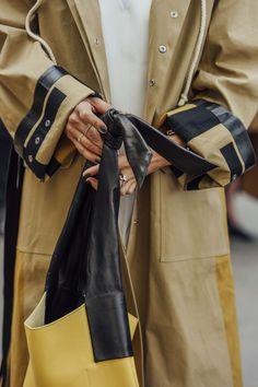 October 2, 2016  Tags Black, Paris, Nails, Yellow, Women, Coats, Bags, Rings, Khaki, Céline, SS17 Women's