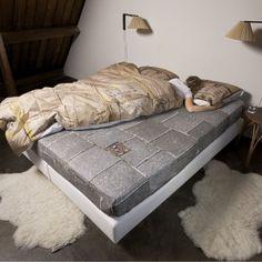Flott sengesett og laken fra SNURK! Mere info på vår nettbutikk: http://www.sengemakeriet.com/webshop.aspx?pageid=78949&Product=112312