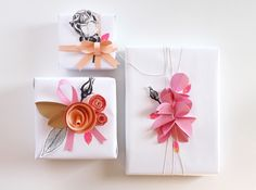 giochi di carta: My gift wrapping for Scrappinize Magazine!!! Bebe'!!! Love these elaborate ribbons and toppers!!!