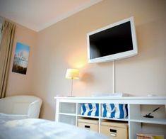 Kieler FeWo No. 2 - kieler-fewo.de Modern, Flat Screen, Double Bedroom, Ground Floor, Kiel, Seating Areas, Living Area, Blood Plasma, Trendy Tree