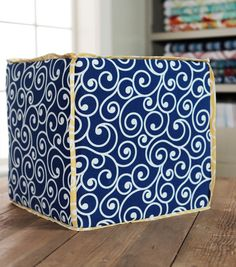 DIY ottoman// DIY Home Decor // Ottoman with Trim // Project Courtesy of: Richloom Fabrics // Find this project and more on Joann.com.