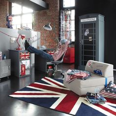 Tienermeisje jongenskamer New York, Londen, Rock . Teen Boy Rooms, Teen Bedroom, Bedroom Decor, Union Jack Bedroom, Union Jack Decor, Casa Retro, Cool Rooms, Home Deco, House Design