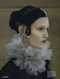 Ruff: Chanel – Dress: Givenchy by Riccardo Tisci  LOVE it Elizabethan collar and this look. AJ