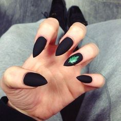 Trendy black matte nails designs to inspire you. Fabulous Nails, Gorgeous Nails, Hair And Nails, My Nails, Weed Nails, Do It Yourself Nails, Goth Nails, Matte Black Nails, Pointy Nails