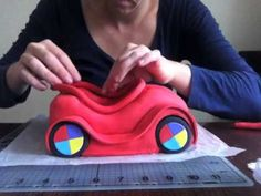 Wiggles 'Big Red Car' cake, by bronniebakes
