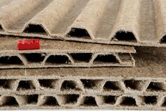 Hemp panels - MaterialDistrict Natural Building, Green Building, Home Shelter, 3d Printed House, Sustainable Building Materials, Small House Design, Window Design, Biodegradable Products, Sustainability