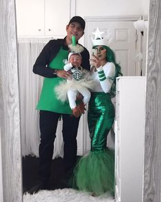 Family Costumes For 3, Baby Girl Halloween Costumes, Clever Halloween Costumes, Cute Costumes, Halloween Fashion, Costume Ideas, Alien Halloween, Group Halloween, Zombie Costumes