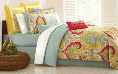 Comforters and Bed Spreads Sets. Bedspreads and comforters can be used to decorate and transform a room with style. Bedding sets come in King, Queen, Full and Twin sizes and are often designed as an ensemble of comforters, bedsheets and pillow shams. Bed Sets, Full Comforter Sets, Best Bedding Sets, King Comforter, Duvet Cover Sets, Yellow Comforter, Queen Duvet, Yellow Pillows, Queen Beds