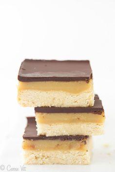 Homemade Twix Bars (Grain-Free, Paleo, Primal, Gluten-Free) #diet #paleo #dessert #food #recipes paleoaholic.com