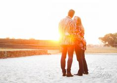 Celebrate your first year wedding anniversary with a couple photoshoot like this one #weddinganniversary #weddinganniversaryideas #anniversaryideas #couplephotography #couplephotoshoot