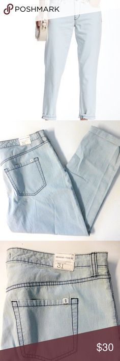 """Melrose and Market striped boyfriend crop Jean NWT Light blue and white engineer striped 100% cotton (no stretch). Lightweight and cool fabric. Mid rise waist and relaxed fit. 5 pocket, zip fly with button closure and belt loops. Boyfriend fit. 18.25"""" waistband measured flat. 24.5"""" inseam. 10"""" rise. 7.25"""" leg opening. New with tag. Melrose and Market Jeans Ankle & Cropped"""