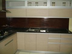 L Shaped Modular Kitchen Designer in Ghaziabad - Call Ghaziabad Kitchens for your L Shaped Kitchen Design, Floor Plan Ideas Consultation in Ghaziabad, we will help you to create the Kitchen of your dreams. Pallet Furniture Kitchen Island, Corner Furniture, Trendy Furniture, Modular Furniture, Furniture Design, L Shaped Modular Kitchen, L Shaped Kitchen, Home Design, Kitchen Interior