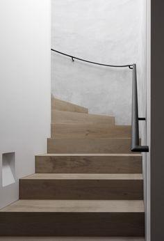 Architecture * Minimalism by LEUCHTEND GRAU Lavastone Haus | BE Architektur