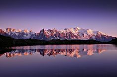 The Chéserys lake, french Alps, featuring the Mont Blanc massif. We climbed some hours at the end of the day, bumping into lots and lots of daily mountaineers going home after a walk. Our goal was to catch the sunset on the lake. Here, we met some spanish and some german photographers who had the same idea. It was nice to talk a little with them. One of the german photographers was a geologist as I am. Funny coincidence! I took pictures until the Moon cas high in the sky.
