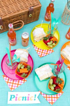 Colorful Summer Picnic Tips and Ideas