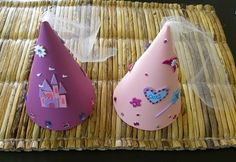 and Knight Party Ideas and Supplies princess hat DIY craft table gameprincess hat DIY craft table game Princess Party Games, Princess Crafts, Disney Princess Party, Princess Theme, Princess Birthday, Princess Hat, Birthday Crowns, Princess Sophia, Cinderella Party