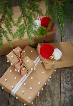 15 Brown Paper Wrapping Ideas for Christmas - unOriginal Mom - maaghie - Fritz Towne Sr. - 15 Brown Paper Wrapping Ideas for Christmas – unOriginal Mom - Christmas Present Wrap, Christmas Gift Wrapping, Best Christmas Gifts, Christmas Fun, Holiday Gifts, Christmas Pictures, Christmas Packages, Holiday Money, Ideas For Christmas Presents