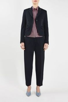 This season's Hutton Shrunken Blazer is tailored in a feminine slim fit. Featuring flap pockets, a visible white stitching along the side seams and lapel add a spring/summer contrast against the navy wool. Billboard Women In Music, Topshop Unique, Urban Outfitters, Womens Fashion, Fashion Trends, Feminine, Blazer, Coat, Pants