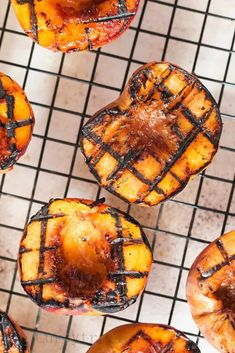 Grilled peaches recipe is too simple not to make it, you only need 3 ingredients and under 10 minutes.This grilling season, don't miss grilled peaches. Mexican Grilled Corn, Grilled Fruit, Grilled Peaches, Summer Grilling Recipes, Summer Recipes, Grilling Sides, Refreshing Desserts, Ripe Peach, Summer Time