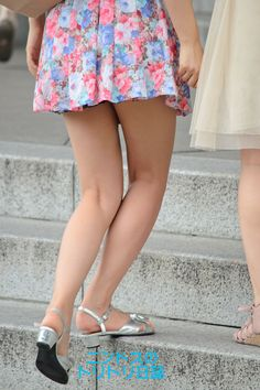 Sexy Dresses, Short Dresses, Micro Skirt, Cute Japanese Girl, Professional Wear, Sexy Legs And Heels, Women Legs, Nice Legs, Hot Outfits
