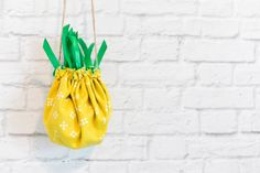 Как сшить сумку-мешочек в виде ананаса