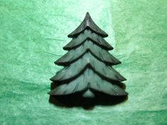 """1 - 1 & 3/8"""" FOREST EVERGREEN TREE PLASTIC CRAFT EMBELLISHMENT BUTTON - LOT#N25"""