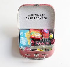 Tiny care package (The House That Lars Built.: The ultimate care package with free PDF) Creative Gifts, Cool Gifts, Diy Gifts, Gifts For Your Boyfriend, Gifts For Him, Monthsary Gift For Boyfriend, Boyfriend Stuff, For Elise, Diy Presents