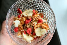 Snacks: Cottage cheese topped with almondcrunch, banana and dry strawberries.