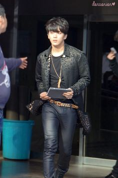Yoo Youngjae, killing fangirls ded just by walking.