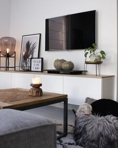 Living room - Have a look at jeannettevanluyck - Have a look - Wohnkultur Wohnung - Apartment Decor Living Room With Tv, Living Room Grey, Home Living Room, Interior Design Living Room, Living Room Designs, Living Room Decor, Small Living, Modern Living, Dining Room