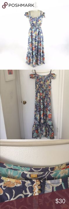 Leifsdottir silk maxi dress! Be the belle of the ball in this 100% silk maxi by Leifsdottir. Beautiful details adorn this dress and the shirred waist accentuates any figure. Stunning pattern adorned with hibiscus flowers. leifsdottir Dresses Maxi
