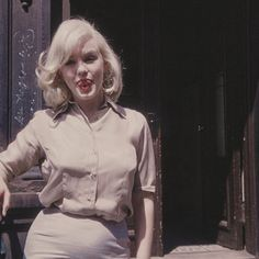 normajeaned: Rare images of Marilyn Monroe in New York City...