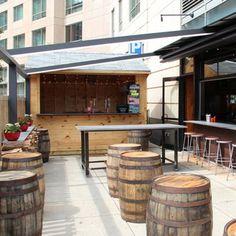 America's Best Beer Gardens: Sweet Cheeks Q, Boston I like the outdoor bar Brewery Design, Cafe Design, Rustic Restaurant Design, Magic Garden, Garden Bar, Garden Table, Café Bar, Beer Bar, Outdoor Restaurant Patio