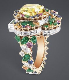 "DIOR ""Yellow Diamond Queen's Hamlet"" ring"