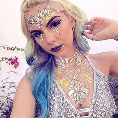 Festival club rave party face body jewels gem tattoo crystal rhinestone stick on Gem Tattoo, Jewel Tattoo, Face Gems, Face Jewels, Festival Makeup Glitter, Glitter Makeup, Rhinestone Makeup, Crystal Rhinestone, Carnival Makeup