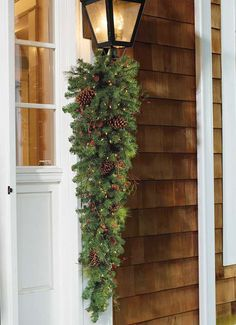Set the outdoor holiday scene in an instant!