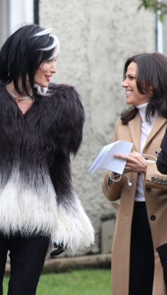 Victoria Smurfit & Lana Parrilla on set - February 11, 2015